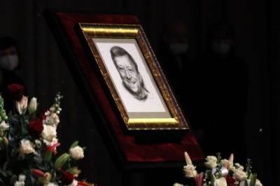 Борис Грачевский похоронен на Троекуровском кладбище