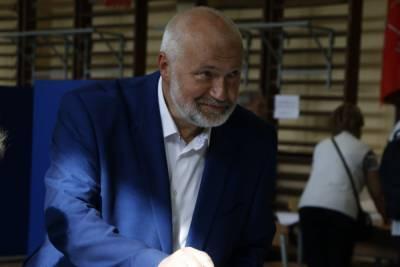 Состояние заболевшего коронавирусом депутата Амосова серьезно ухудшилось