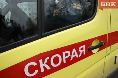 В Сыктывкаре фургон сбил на тротуаре пешехода