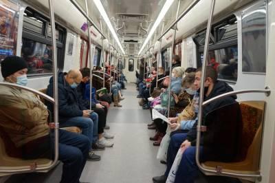 Смольный борется с «зайцами» в транспорте Петербурга