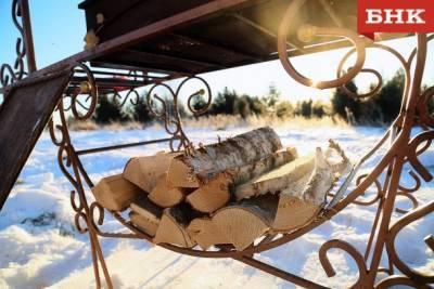 Лесозаготовители Коми рассказали, что мешает обеспечивать жителей дровами