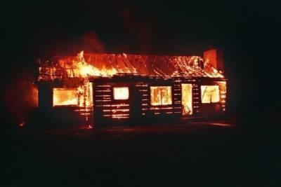 Пожарный погиб в Мошковском районе, спасая вещи родственников