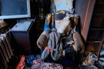 На западе Волгограда утром тушили квартиру на первом этаже