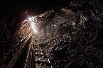 В Кузбассе при обрушении угля в шахте погиб человек