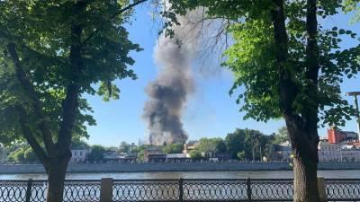 Петр Бирюков рассказал об обстановке на Лужнецкой набережной после пожара