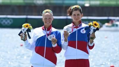 Губернатор Петербурга поздравил Василису Степанову с серебром на Олимпиаде