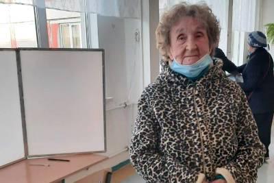 Избирательные участки открылись в третий день выборов в Петербурге